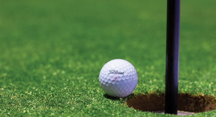 what is the most common number of dimples on a golf ball